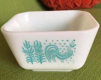 Vintage 60s Blue Butterprint Amish Rooster Pyrex Refrigerator Dish #0501