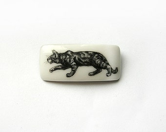 Animal Brooch Sneaking Cat, unisex black and white jewelry for cat lovers, minimalist fashion jewelry, indie hipster jewelry