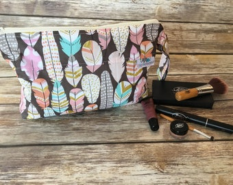 Accessory Bag, Clutch, Travel Bag, Cosmetic Bay, Toiletries, Diaper Clutch, Diaper Pouch, Nappy Holder, PUL, Pattern: Feathers on Grey