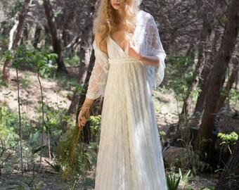Lace wedding shawl, shawl, lace shawl, wedding cover up, ivory lace bridal shawl, white lace shawl, wedding dress shrug, lace bridal shrug