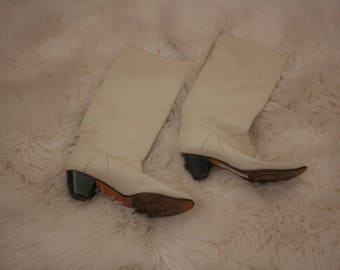 Vintage 70s bone white leather Womens boots size 7 1/2 7.5