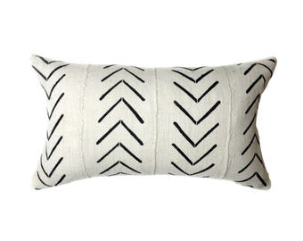 African Mudcloth Pillow Cover, African Pillow, Cream and Black | Lumbar | 'Asha'