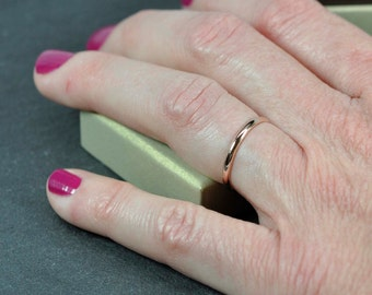 Classic Rose Gold Wedding Band for Her, Solid 14K Rose Gold 2mm Width