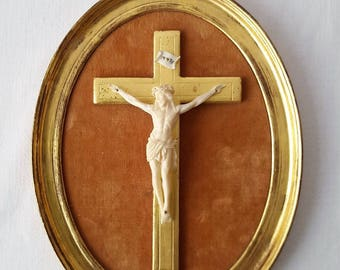 Crucifix Christ carved in a gilt wood - 20920 frame