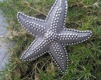 Starfish Drawer Knobs - Cabinet Knobs - Furniture Knobs in Silver Metal (MK114)