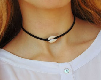 Cowrie Shell Choker, Shell Necklace, Cowrie Necklace, Shell Choker, Cowrie Shell, Beach Necklace, Boho Necklace, Real Sea Shell Necklace
