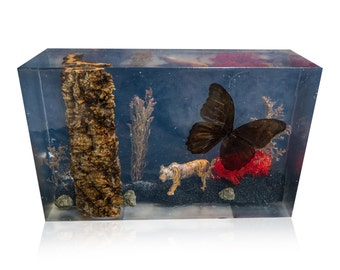 Carnivore Resin Art Monolith Sculpture - Art object, Decorative Art, Resin Statue, Handmade, Nature Art