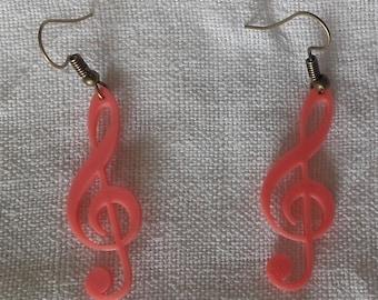 Treble clef earrings pink
