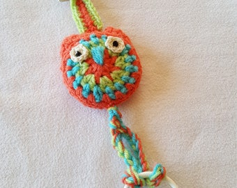 Pacifier clip - Lollipop funny owl, green, Orange wool and wood, hand-made crochet