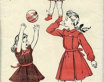 1940s Advance 4399 sewing pattern // girls' dress with scalloped yoke and puff or long sleeves