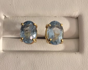 20k Yellow Gold and Aquamarine Stud Earrings