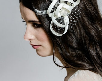 Ivory Bridal Hair Bow, Ivory Headpiece, Bridal Hair Piece, Crystal Hair Accessory, Fascinator, Wedding Headpiece, Blush Fascinator, DIA