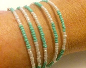 Bracelet Mint Green & White memory wire seed bead
