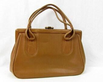 Vintage 60s Bofcha Handbag / Fawn Tan Color / Leather / Top Latch / Hinged Frame / Inside Zipper Pocket / Purse