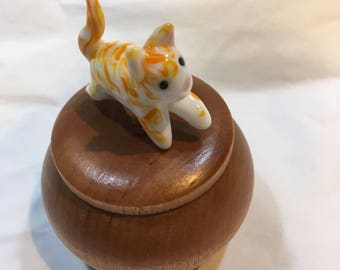 Tiny Wood Trinket Box with Lampwork Glass Ginger Cat Topper Knob/Finial