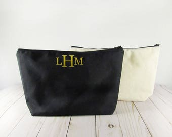 Monogrammed Bridesmaid bag - Cosmetic Bag - Bridesmaid gift - Personalized bag - Gift for Her