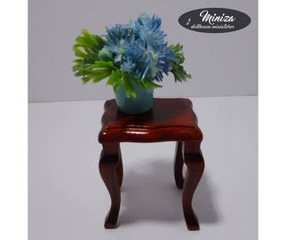 Miniature small table with a flower, 1:12 scale