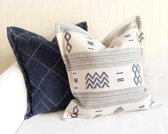 WILDER - 20 x 20 Indigo and White Woven Pillow Cover.
