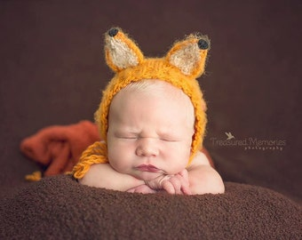 Newborn knit what the fox say bonnet in bronze