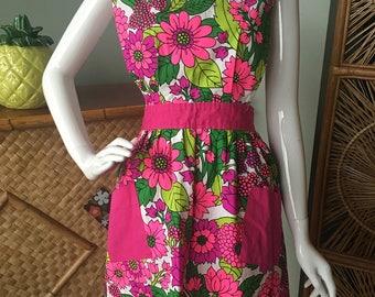 Adorable 1960's -70's Design House 100% cotton apron/smock