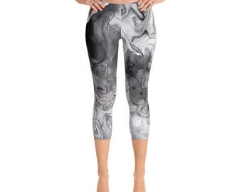 Octopus Abstract Black and White Printed Capri  Leggings