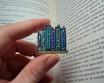 CUSTOMIZABLE BOOKSHELF PIN with Favourite Titles, Writers, Artists   Book Pin Brooch, Book Lover Gift, Custom Bookmark, Bookish Jewelry Gift