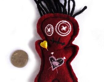 El Corazón Voodoo Doll