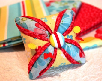 Cathedral Window Pincushion Pattern - PDF Sewing Pattern -  Pin Cushion Pattern - Quilt Design