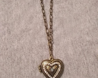 Golden Heart - Locket - Magnetic Clasp