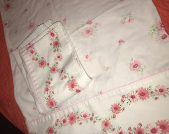 Vintage Cannon Monticello Pair Pink White Floral Standard Pillowcases