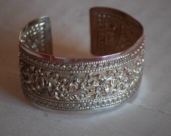 Embossed sterling silver bracelet. RARE!