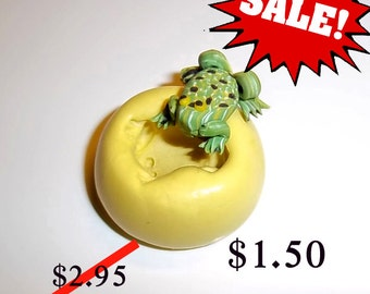 ON SALE - Frog  -  Flexible Push Mold -  Food Safe Silicone  I142