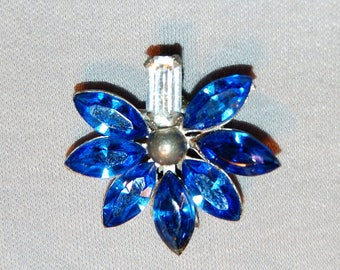 Rhinestone Dress Clip, Art Deco Clear Blue, Bridal Wedding Sparkling, Vintage old jewelry