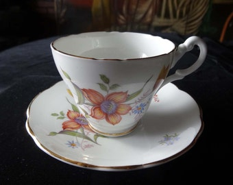 Tea Cup Saucer Royal Ascot Bone China Made in England Wild Flower Home and Garden Kitchen and Dining Tableware Drinkware Coffee and Tea Cups