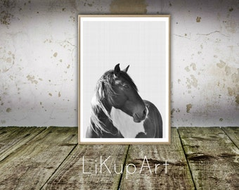 Horse Print, Horse Wall Print, Horse Photo, Animals, Black and White Horse, Equestrian Print, Minimalist, Home Decor, Instant Download,Horse