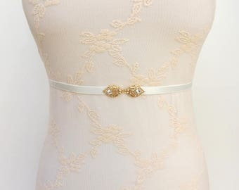 Ivory elastic waist belt. Gold leaf belt. Skinny belt. Bridal belt. Bridesmaids belt. Dress belt. Thin belt. Wedding belt. Rhinestone belt.