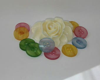 Set of 20 assorted color 15mm resin buttons