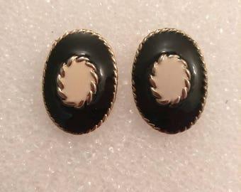 Vintage Beige Black Enamel Earrings, Oval Earrings, Black White Enamel Earrings, Button Earrings, Boutique, Fashion Jewelry, Accessories