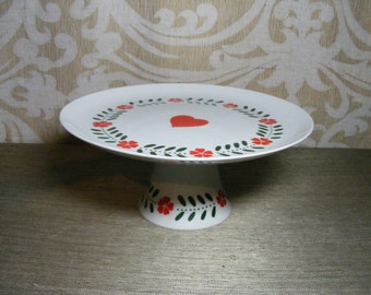 Vintage Cake Stand Pedestal Plate 80s HEART & FLOWERS Stand Lillian Vernon PA Folk Valentine's Day