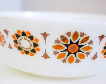 Set of two JAJ Pyrex bowls orange and brown Toledo Pattern.
