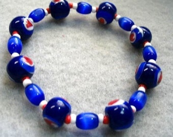 Small Blue Sweetheart Bracelet with Red Hearts, Blue Glass Bead Stretch Bracelet, Red White And Blue Jewelry, Nonmetal, Small 6 inch Size