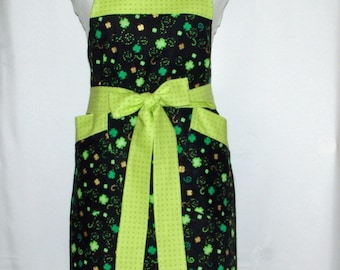 St. Patricks Day Apron, Adult, St. Patty Green Shamrocks, Customize With Name, No Shipping Fee, Ready To Ship TODAY AGFT 977