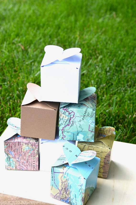 Heart Topped Favor and Confetti Boxes - In your choice of Vintage Map, Kraft Brown, Black, White, Red. Custom Colors Available.