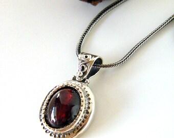 Garnet sterling silver pendant retro oval handmade garnet necklace, handcrafted jewelry January birthstone garnet jewelry, gift for her