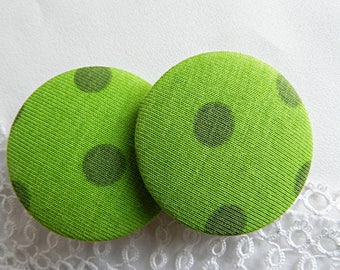 Fabric button green with polka dots, 40 mm / 1. in 57