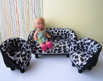 Designer Quality BABY BARBIE sofa and two armchairs. Set of 5
