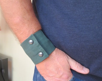"Mens Wrist Wallet Cuff- ""Secret Stash"" - hide your cash, key, health info  in a secret inside zipper.  Fits 8"" wrist"