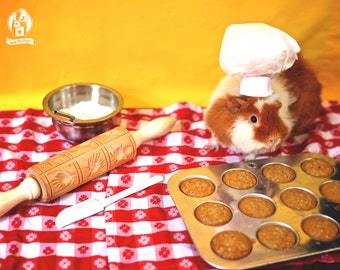 Tiny Baker Guinea Pig Greeting Card