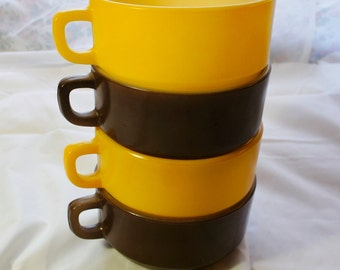 4 Anchor Hocking Fire King  soup bowl mugs with handles 2 brown 2 yellow oven proof glassware retro kitchen dishes
