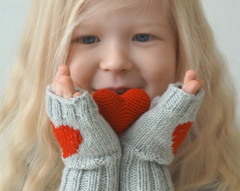 Hand knit fingerless mittens with emroidered heart / Fingerless gloves with heart / Fingerless mitts / Wrist warmers